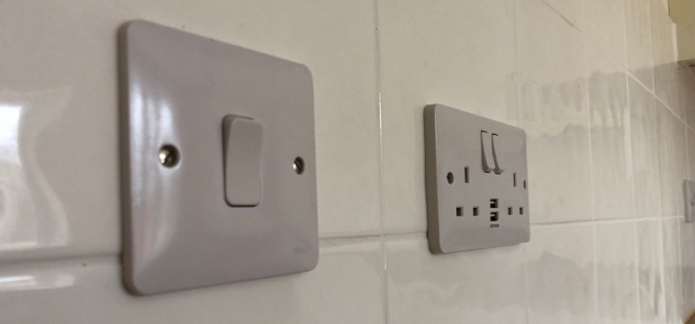 NEW-PLUG-SOCKETS-AND-SWITCHES-INSTALLED-IN-RAYLEIGH-KITCHEN